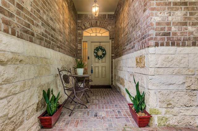 1914 Hill Manor Drive, Conroe, TX 77304 (MLS #93903859) :: The Home Branch