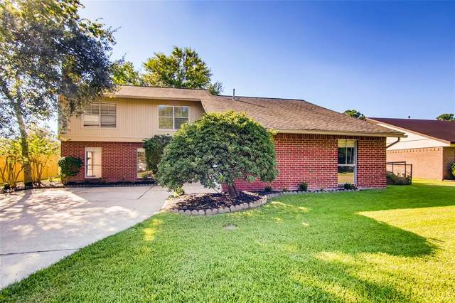 428 E Castle Harbour Drive, Friendswood, TX 77546 (MLS #94063056) :: Texas Home Shop Realty