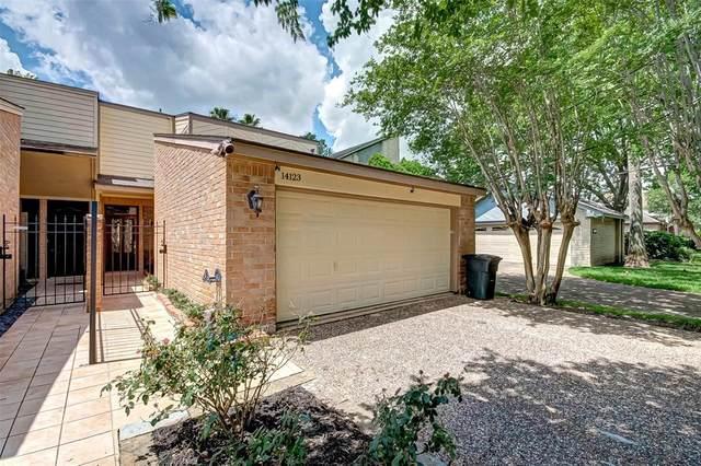 14123 Apple Tree Road, Houston, TX 77079 (MLS #94298894) :: TEXdot Realtors, Inc.