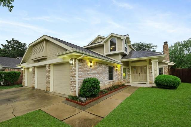 2215 Braesmeadow Lane, Sugar Land, TX 77479 (MLS #97828788) :: Caskey Realty