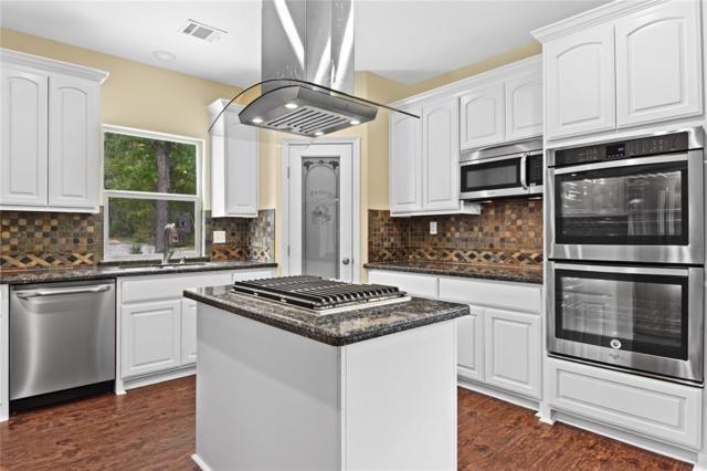 15224 Paradise View Drive, Willis, TX 77318 (MLS #107100381) :: Giorgi Real Estate Group