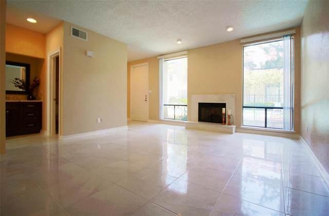 1112 Bering Drive #57, Houston, TX 77057 (MLS #31914117) :: Green Residential