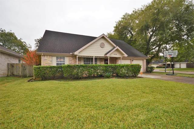 4006 Lotus Drive, Pearland, TX 77584 (MLS #33380108) :: The Queen Team