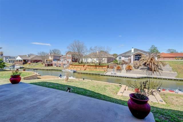 13838 Shoreline Drive, Willis, TX 77318 (MLS #36967806) :: The Property Guys