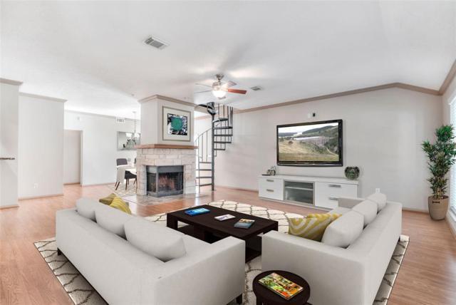 98 W Trillium Circle, The Woodlands, TX 77381 (MLS #42067897) :: Texas Home Shop Realty