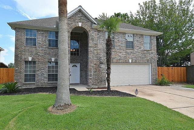 2017 Harbour Cove Drive, Seabrook, TX 77586 (MLS #47427492) :: The Bly Team