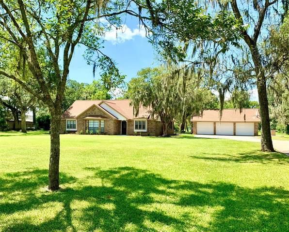 211 Bayou Road, Lake Jackson, TX 77566 (MLS #49510548) :: The SOLD by George Team