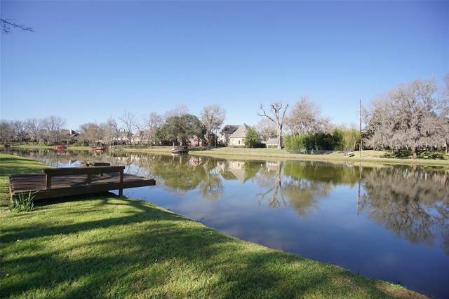5019 Oxbow Circle W, Fulshear, TX 77441 (MLS #53410201) :: The SOLD by George Team