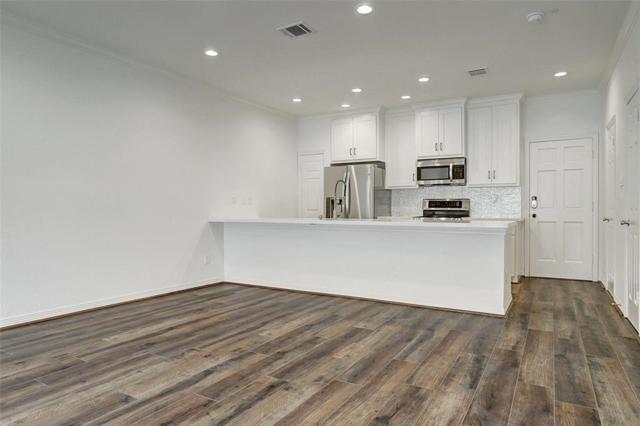 522 Wilcrest, Houston, TX 77042 (MLS #5935640) :: Giorgi Real Estate Group