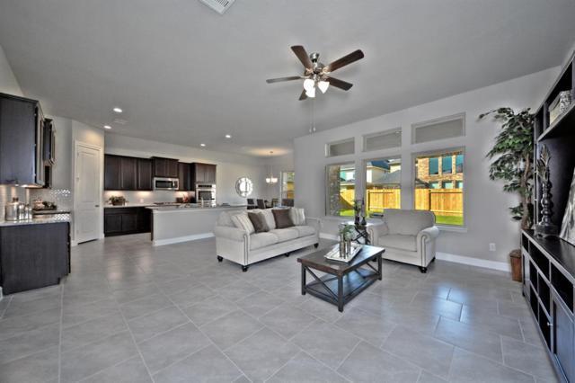 5823 Euclid Loop, Rosenberg, TX 77471 (MLS #60096360) :: Fairwater Westmont Real Estate
