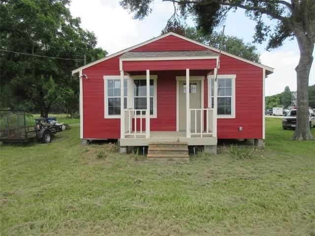 8102 Harris Street, Fulshear, TX 77441 (MLS #62396595) :: My BCS Home Real Estate Group