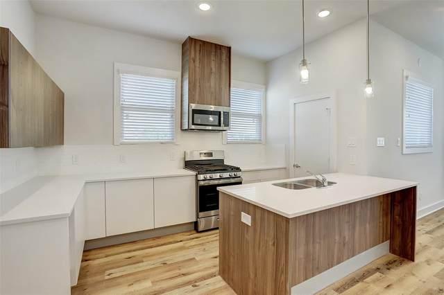 10215 Las Nubes Avenue, Houston, TX 77075 (MLS #87899204) :: The Property Guys