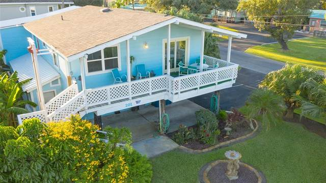 201 S 2nd Street, Rockport, TX 78382 (MLS #10499889) :: The Home Branch