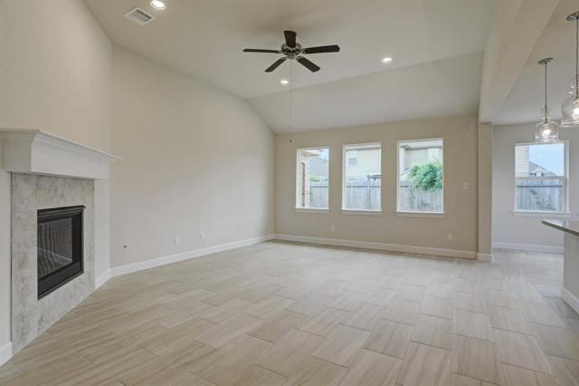1733 Oakdale Mist Drive, Dickinson, TX 77539 (MLS #59784008) :: Texas Home Shop Realty