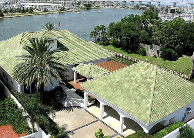1 Harbor Lane, Kemah, TX 77565 (MLS #61558404) :: Giorgi Real Estate Group
