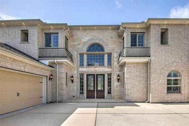 124 Bandera Creek Lane, Friendswood, TX 77546 (MLS #73823563) :: NewHomePrograms.com