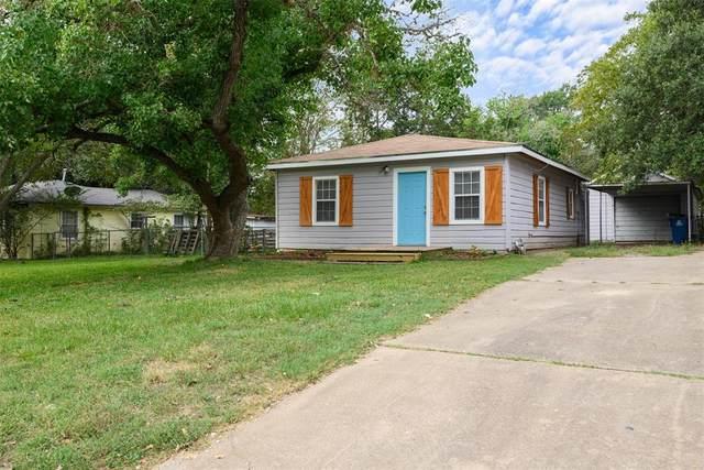 425 14th Street, Hempstead, TX 77445 (MLS #86532388) :: All Cities USA Realty