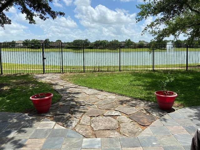 4802 Chaperel Drive, Pearland, TX 77584 (MLS #32617389) :: The SOLD by George Team