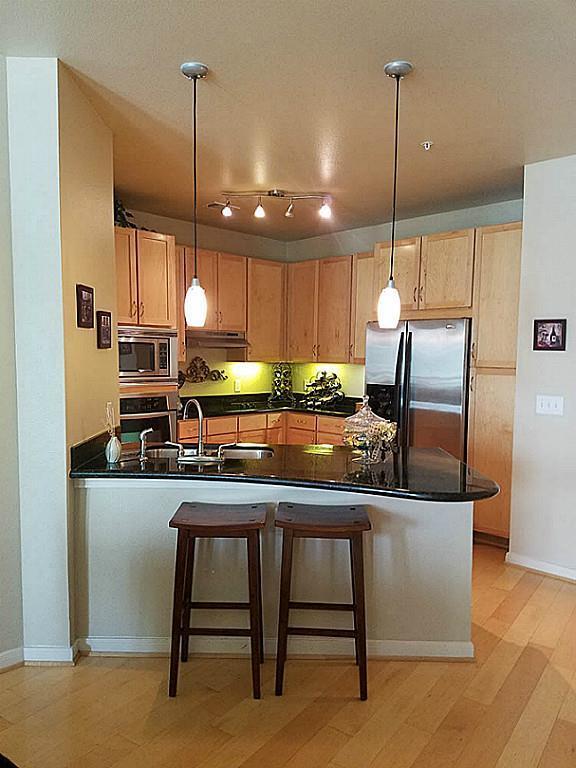 505 Jackson Hill Street #109, Houston, TX 77007 (MLS #10350327) :: Giorgi Real Estate Group