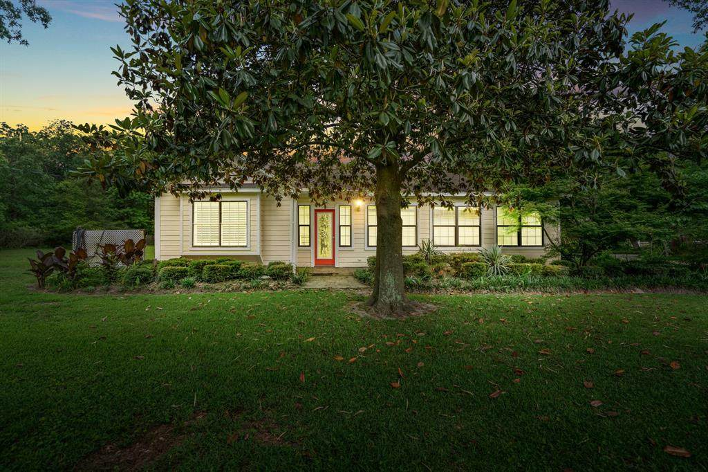 7870 Forest Hills Drive - Photo 1