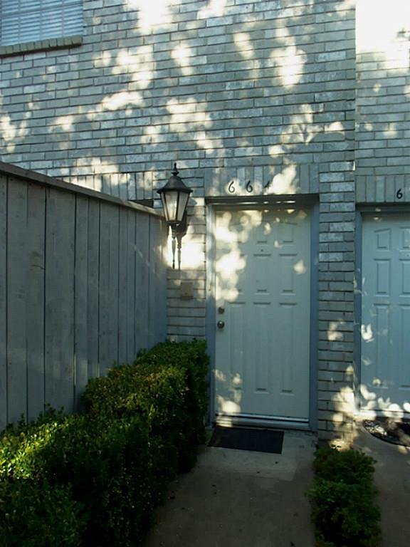 664 Wilcrest #664, Houston, TX 77042 (MLS #10485267) :: Giorgi Real Estate Group