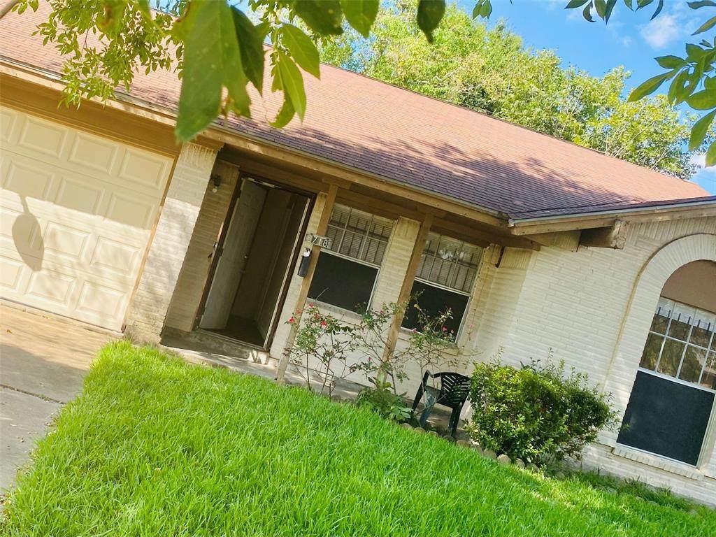 3718 Cloverbrook Drive - Photo 1