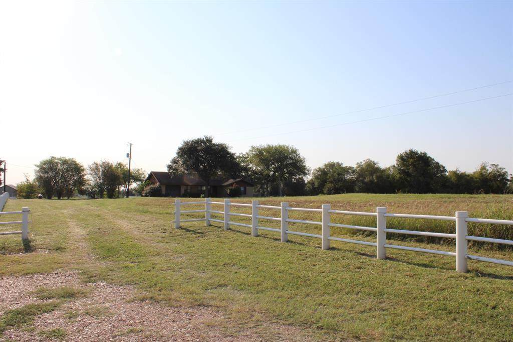 1721 Texas 237 - Photo 1