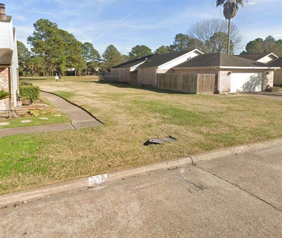 7754 Green Lawn Drive - Photo 1