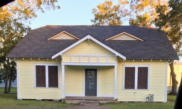 210 E Putnam, Ganado, TX 77962 (MLS #11728961) :: Texas Home Shop Realty