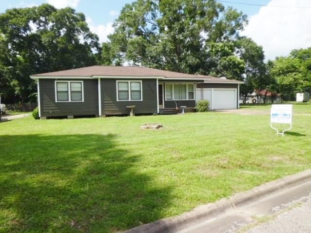 2225 Willow Street, Liberty, TX 77575 (MLS #11741048) :: Magnolia Realty