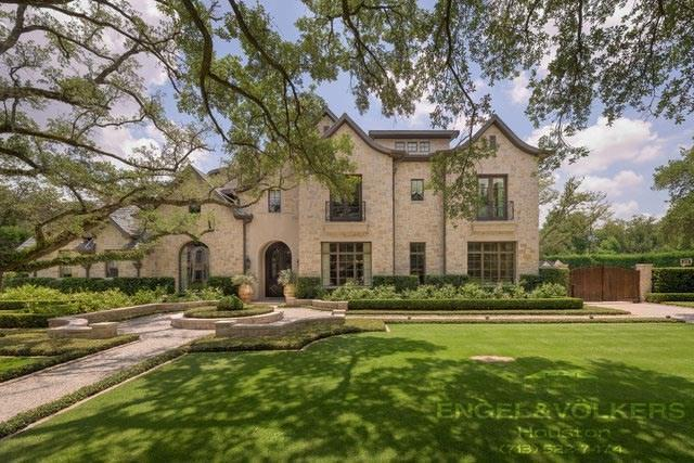 5449 Tupper Lake Drive, Houston, TX 77056 (MLS #11772792) :: Caskey Realty