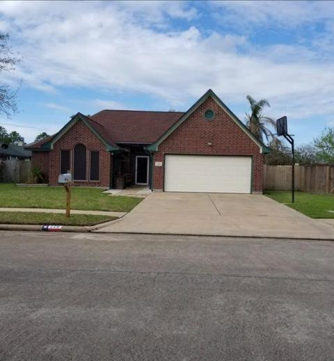 229 Trail Ride Road, Angleton, TX 77515 (MLS #11816290) :: Texas Home Shop Realty