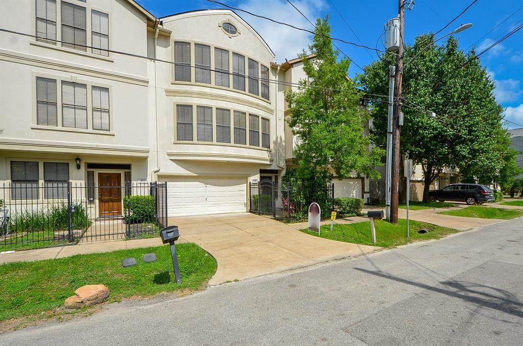 818 Reinicke Street - Photo 1