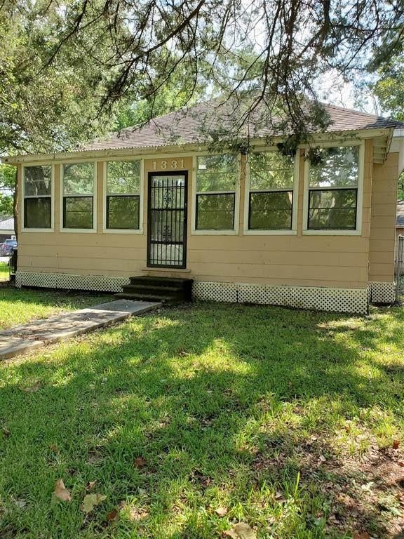 1331 Montgomery Street, La Marque, TX 77568 (MLS #12227344) :: Texas Home Shop Realty