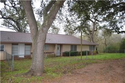 4501 Highway 71, Columbus, TX 78934 (MLS #12447717) :: Texas Home Shop Realty
