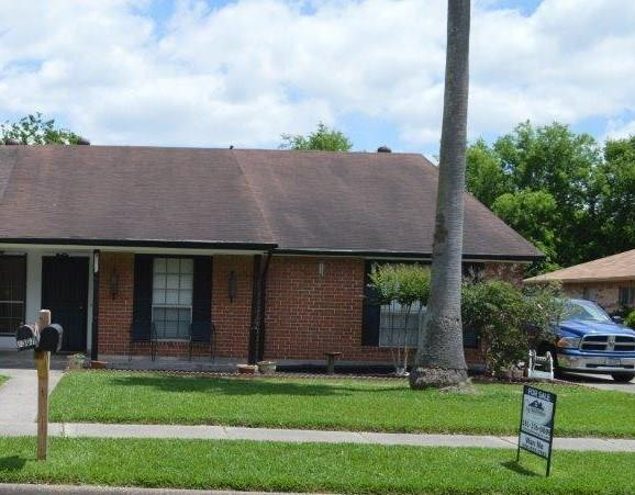 9311 Barrowhollow Drive, Houston, TX 77083 (MLS #12730253) :: Texas Home Shop Realty