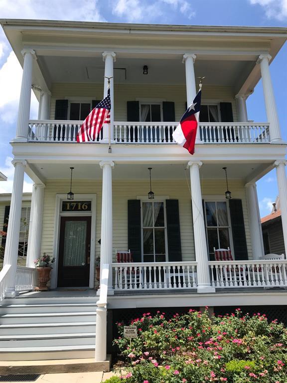 1716 Avenue K, Galveston, TX 77550 (MLS #12786535) :: Krueger Real Estate