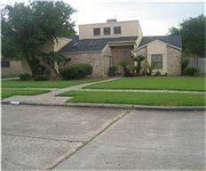 10702 Sandy Shoals, Houston, TX 77071 (MLS #1315555) :: Carrington Real Estate Services