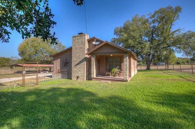 1390 Austin Road, Luling, TX 78648 (MLS #14015751) :: Giorgi Real Estate Group