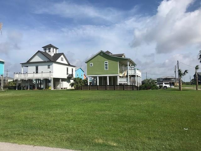 2781 Gulfview Lane, Crystal Beach, TX 77650 (MLS #14385125) :: Caskey Realty