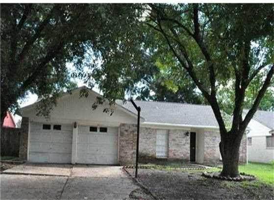 11319 Sharpview Drive, Houston, TX 77072 (MLS #14569913) :: Texas Home Shop Realty