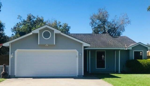 2002 Avenue E, Danbury, TX 77534 (MLS #15118472) :: Guevara Backman