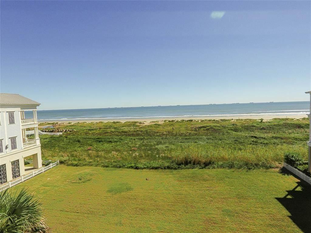 1553 Seaside Drive - Photo 1