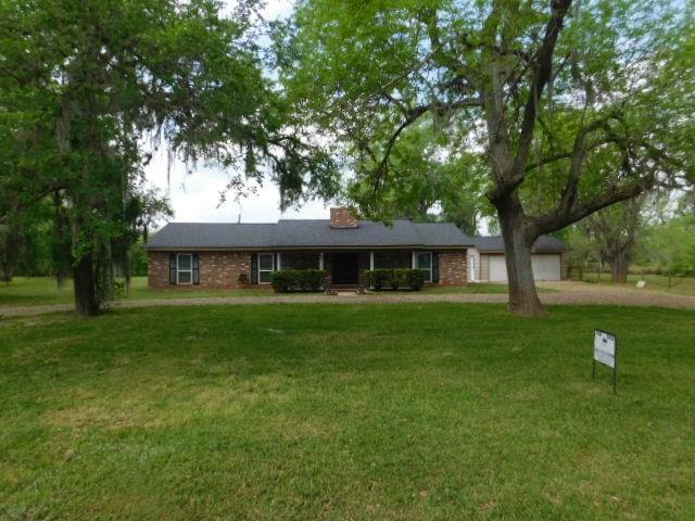 609 Hackamore Road, Wallis, TX 77485 (MLS #16043076) :: Texas Home Shop Realty