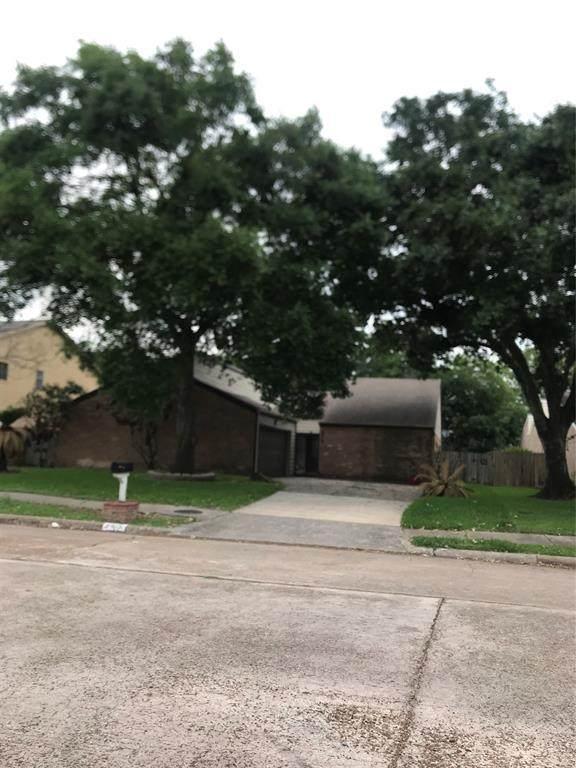 6615 Las Brisas Drive, Houston, TX 77083 (MLS #16308767) :: The Parodi Team at Realty Associates