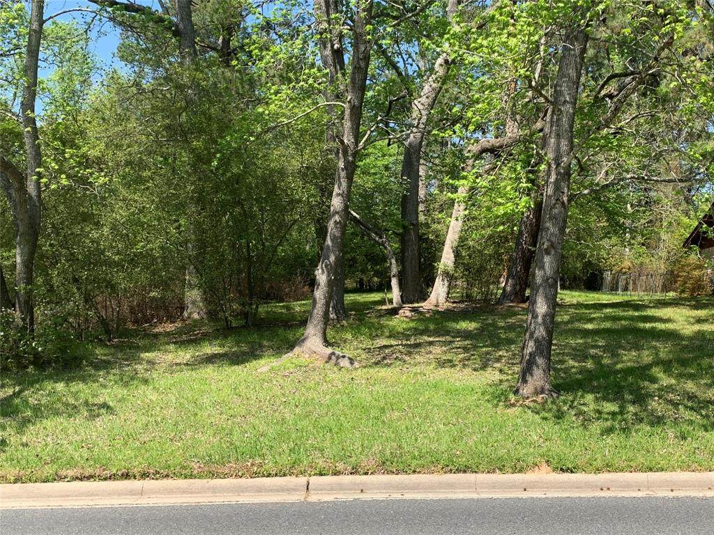 331 Broadmoor Drive - Photo 1