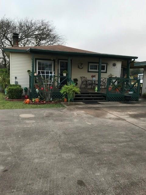 202 Ayers Road, Freeport, TX 77541 (MLS #16396934) :: Texas Home Shop Realty