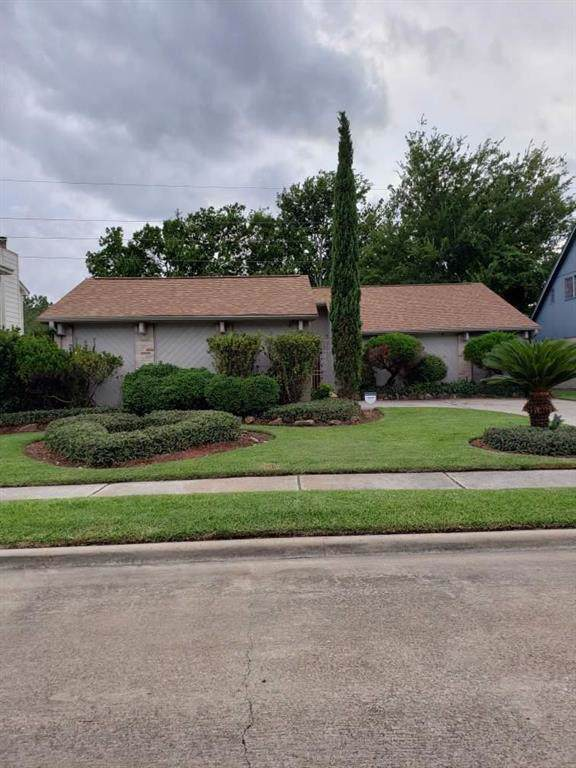 11407 Bethnal Green Drive, Houston, TX 77066 (MLS #16931400) :: Texas Home Shop Realty