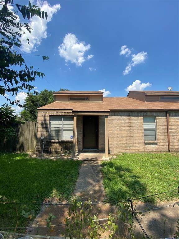 811 Buchta Road E, Angleton, TX 77515 (MLS #17339649) :: Giorgi Real Estate Group