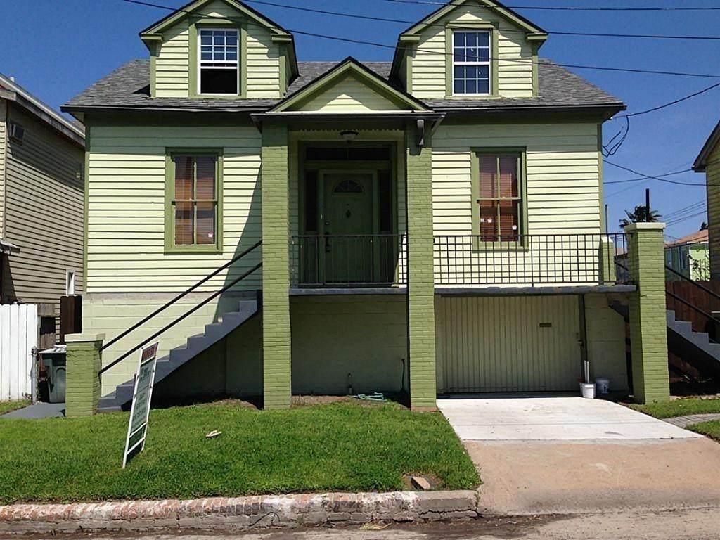 308 17th Street - Photo 1
